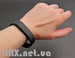 Fitbit Flex на руке